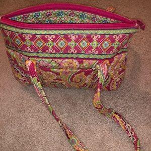 Vera Bradley purse hardly worn! Shows no wear!